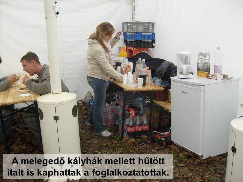 A melegedő kályhák mellett hűtött italt is kaphattak a foglalkoztatottak.