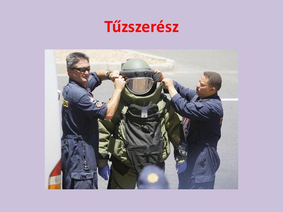 Repülőtéri Rendőri • A Ferihegyi Nemzetközi Repülőtéren látják el szolgálati feladataikat a közrend, közbiztonság fenntartása érdekében.