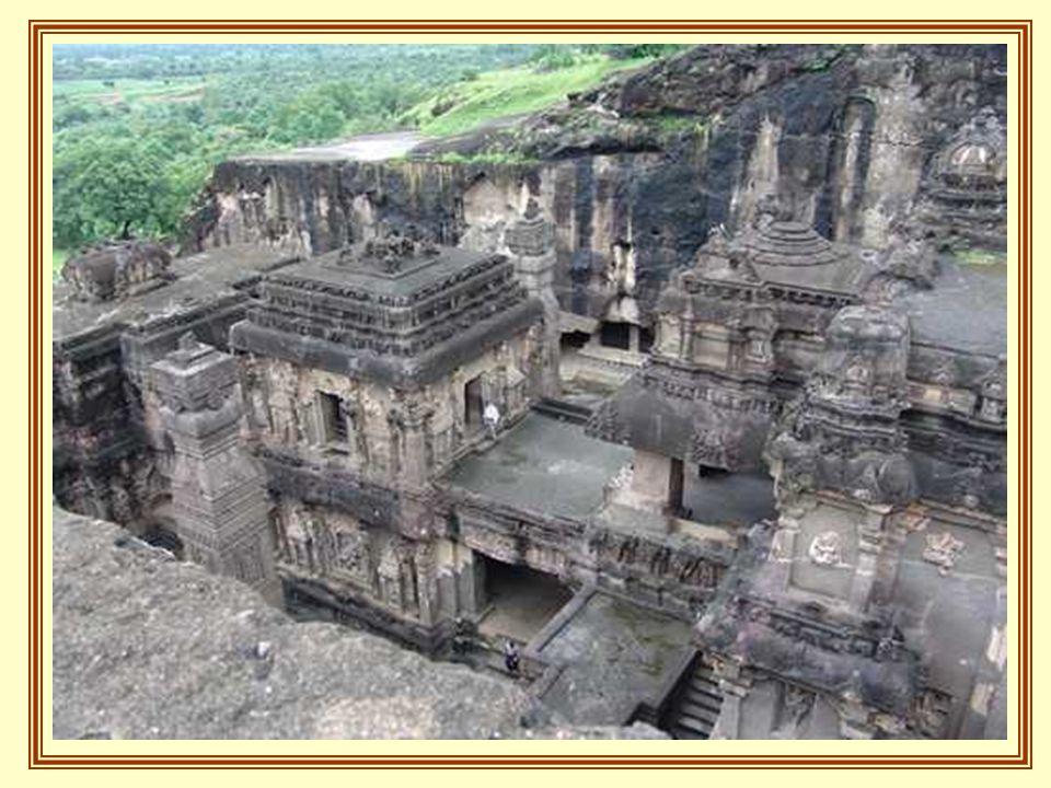 A többi barlang, amiket templomként használtak, nagyon hasonlít a keresztény katedrálisokhoz.