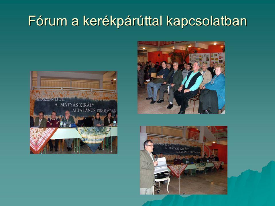 Nyugdíjas klub összetart  Hajóúttal egybekötött kiránduláson vettek részt a Hunyadivárosi Nyugdíjasklub tagjai augusztus 4-én.