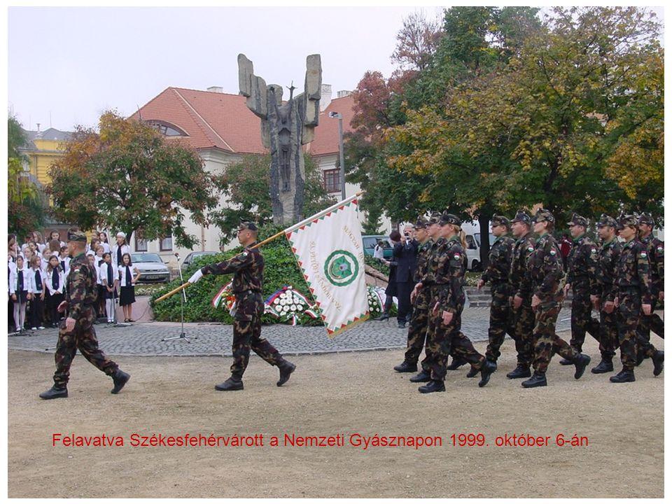 Felavatva Székesfehérvárott a Nemzeti Gyásznapon 1999. október 6-án