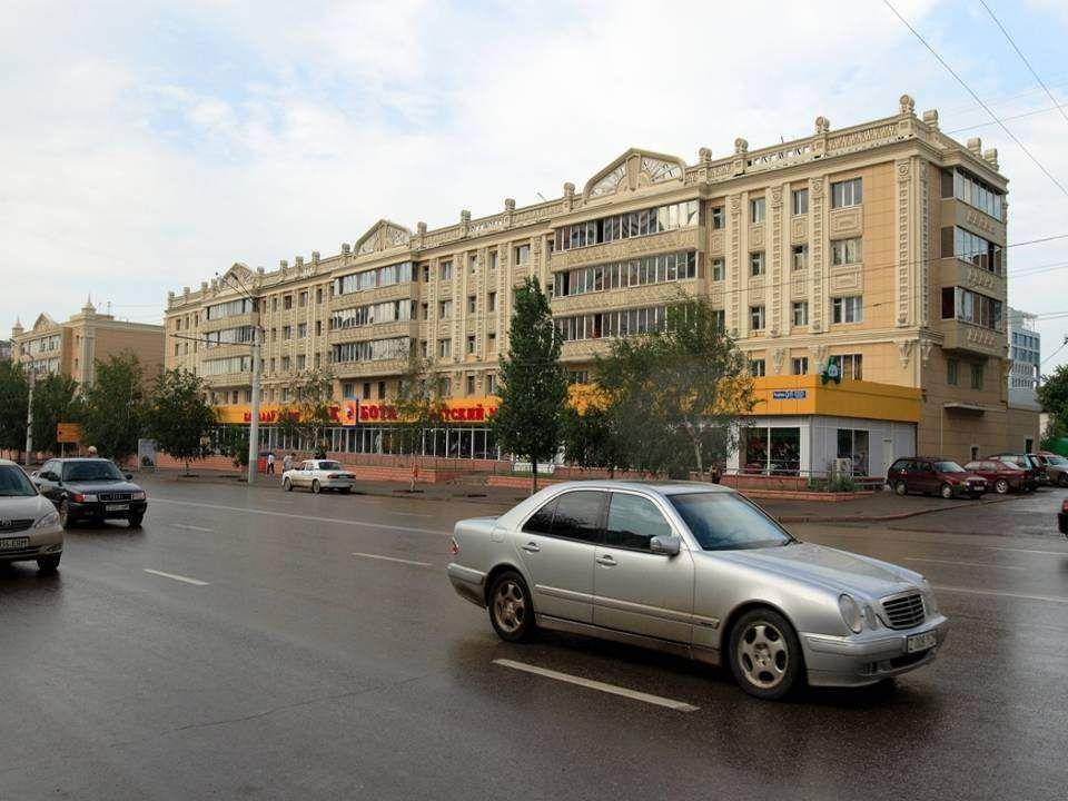 Fővárosa 1997-tól Asztana, az előbbi Alma-Ata helyett