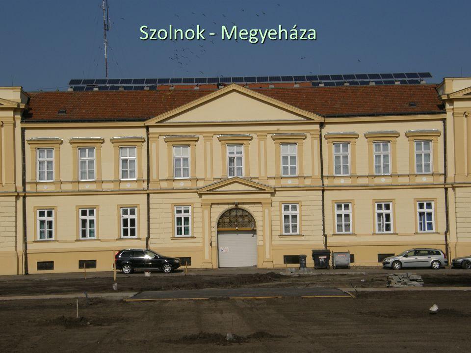 Szolnok - Megyeháza