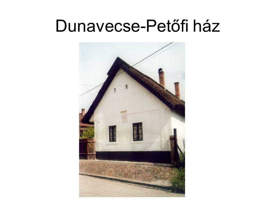 Dunavecse-Petőfi ház