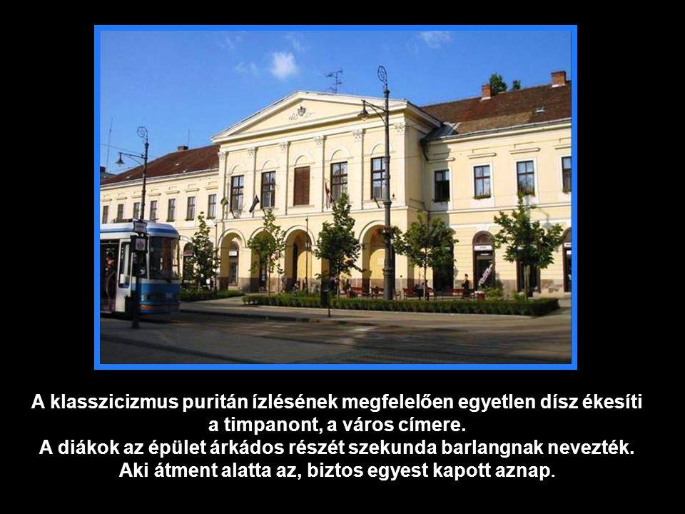 1963 1849-ben a városháza emeleti balszárnya volt Kossuth Lajos otthona, majd hivatala volt, egyetemben a Honvédelmi Bizottmányéval.
