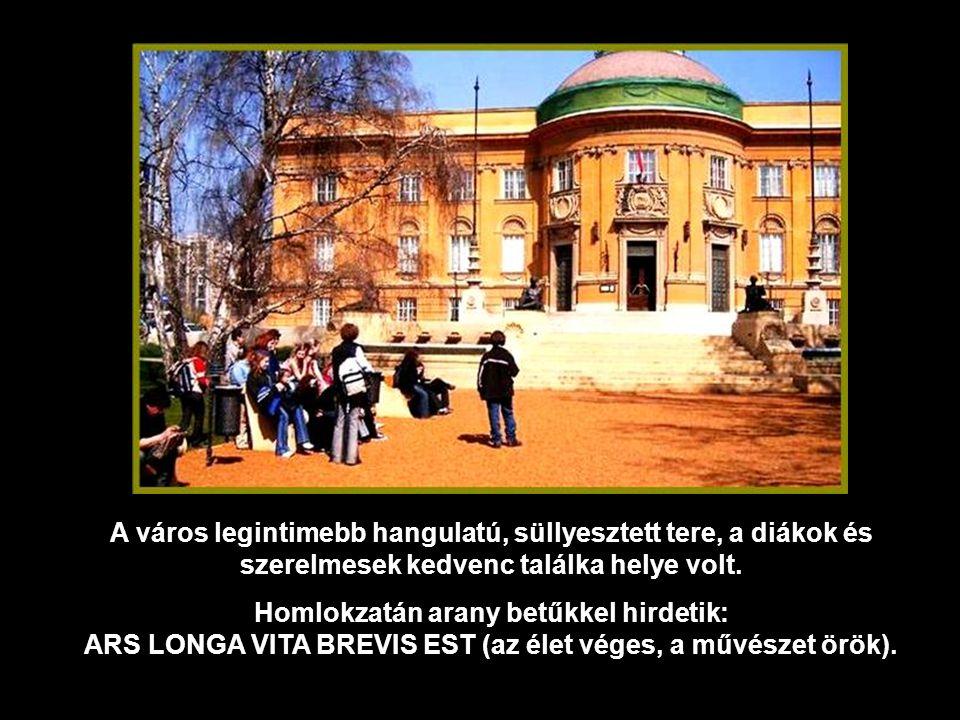 A Déri Múzeum épülete előtt lévő négy, életnagyságúnál nagyobb, heverő alak, Medgyessy munkái.