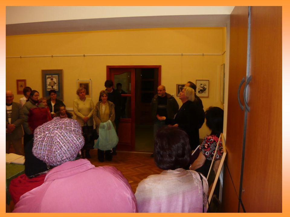 Műsor: Zene – néptánc - próza Előadták a Chiovini Ferenc Általános Iskola és Alapfokú Művészetoktatási Intézmény tanulói és a Chiovini Női Kamarakórus