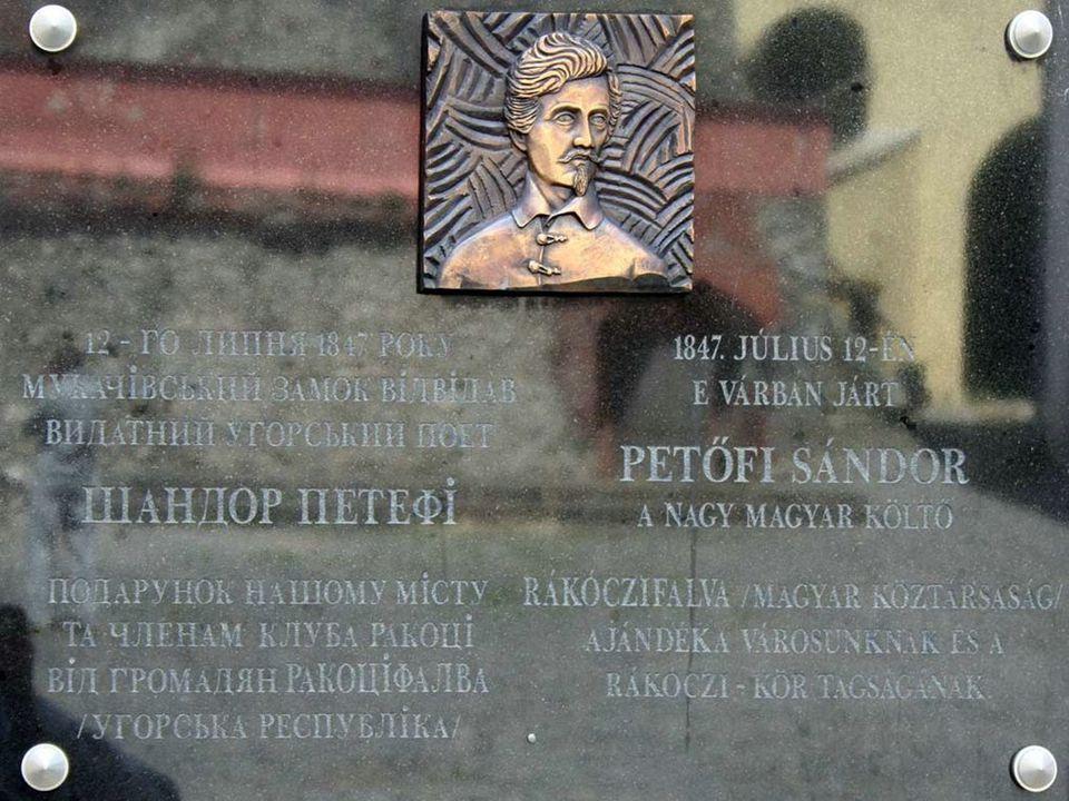Zrínyi Ilona és a kis Rákóczi Ferenc szobor emléktáblája