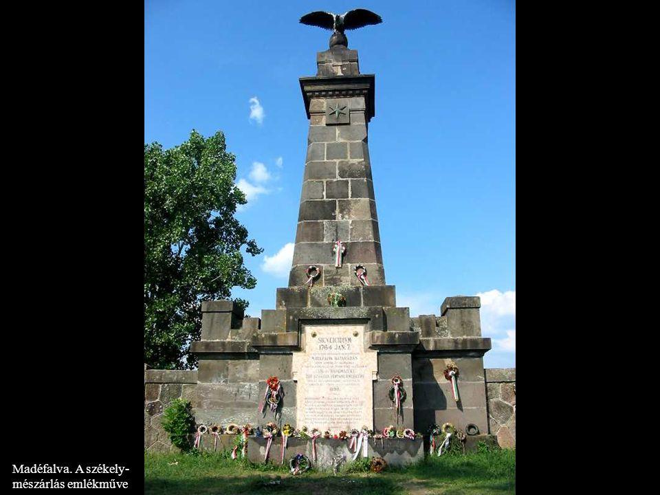 Madéfalva. A székely- mészárlás emlékműve
