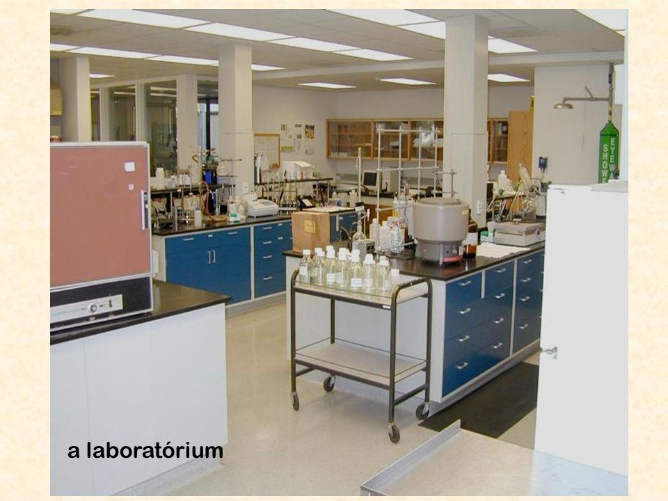 9 a laboratórium