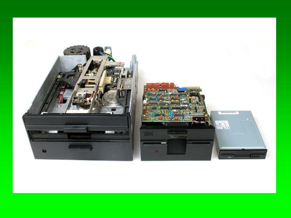 A hajlékonylemez kapacitását az határozza meg, hogy csak az egyik, vagy mindkét oldalát használhatjuk, illetve hogy milyen sűrűségben írhatunk rá adatokat.