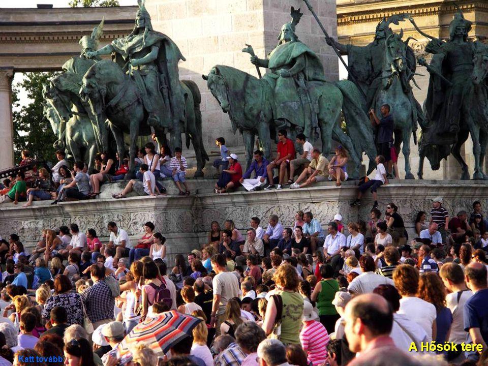 25 A Népművészeti MúzeumKossuth tér felől A Népművészeti Múzeum épülete a Kossuth tér felől Katt tovább