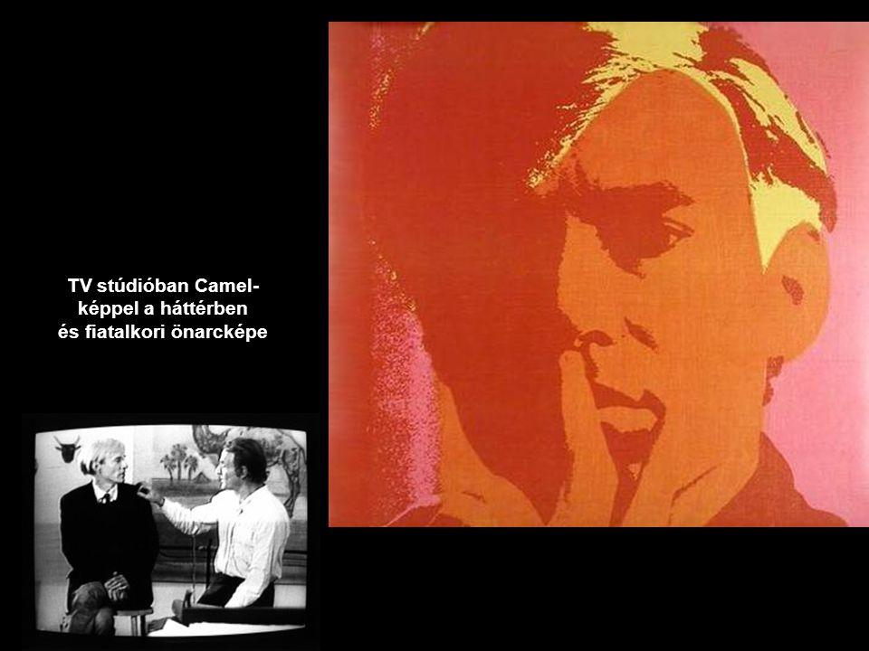 TV stúdióban Camel- képpel a háttérben és fiatalkori önarcképe