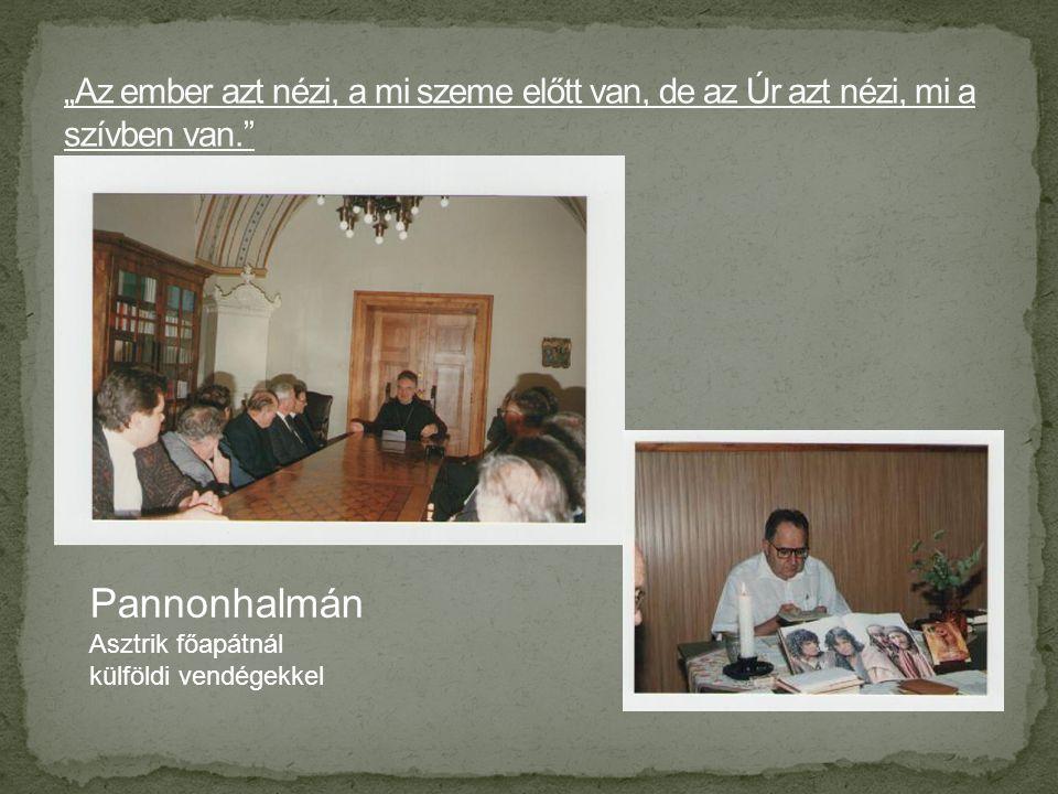 Pannonhalmán Asztrik főapátnál külföldi vendégekkel