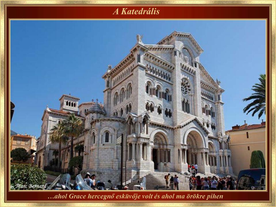 Monaco kikötője Hivatalosan: «Hercules kikötő »
