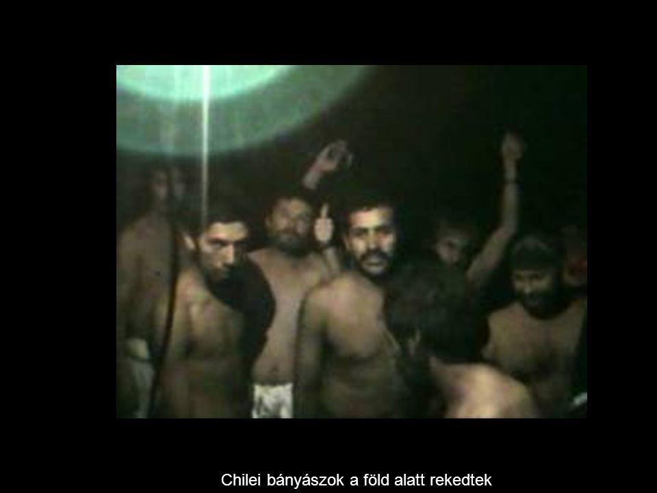 Chilei bányászok a föld alatt rekedtek