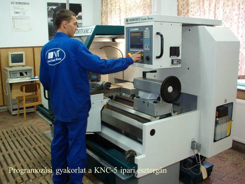 Programozási gyakorlat a KNC-5 ipari esztergán