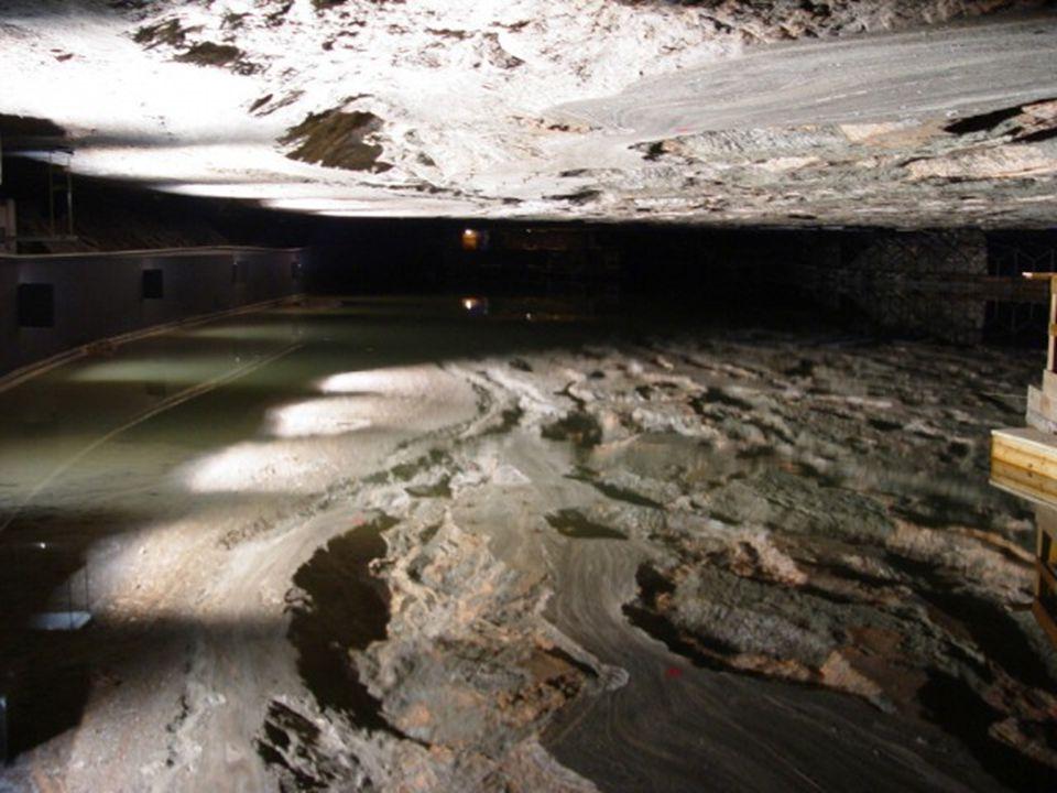 Földalatti tó