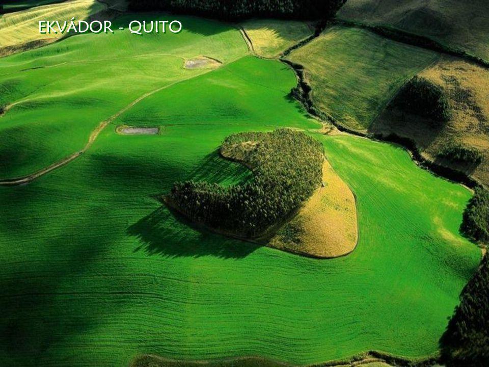 EKVÁDOR - QUITO EKVÁDOR - QUITO