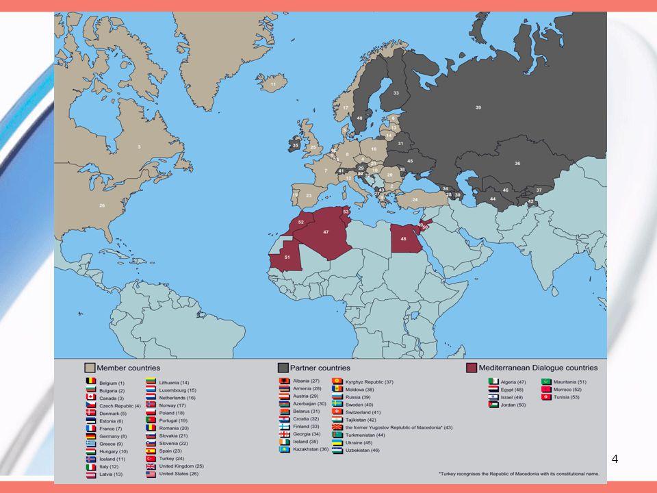 15 A szerződés •Barátsági, együttműködési és kölcsönös segítségnyújtási egyezmény •A nyugati agresszorok elleni védelem •Egy újabb háború elkerülése végett •11 cikk – hasonló pontok mint a NATO cikkekben (4., 9.)