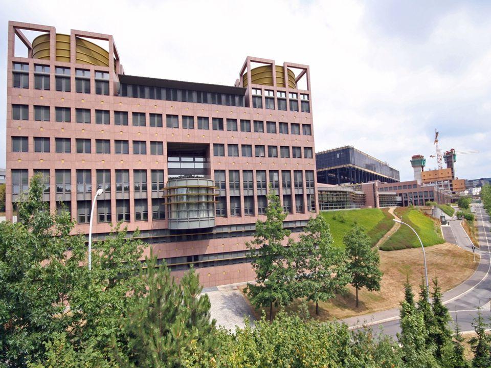 - Európai Bíróság az Európai Unió bírói testülete. Feladata a közösségi jog egységes alkalmazásának biztosítása. Székhelye: Luxembourg.