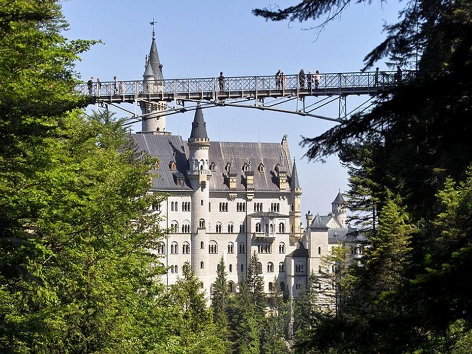 LEONARDO 2007/2008-as tanév Új partner belépése a Hotel Taushof helyett •Olaszország Dél-Tirol, Schnals •Magyar tulajdonos •Éttermi terület Kiutazás: 2008.