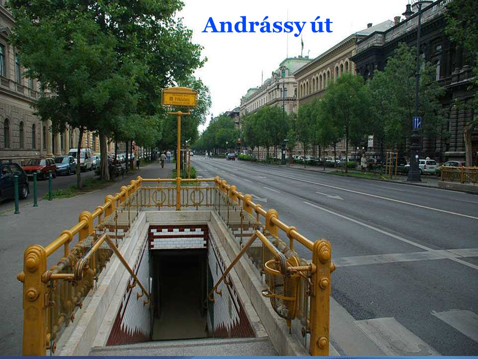 Korábbi nevei: 1768-tól Ellbogengasse (Könyök utca) a Bajcsy-Zsilinszky út és a Dalszínház utca között, az 1830-as évektől egy része Schiffmannsplatz