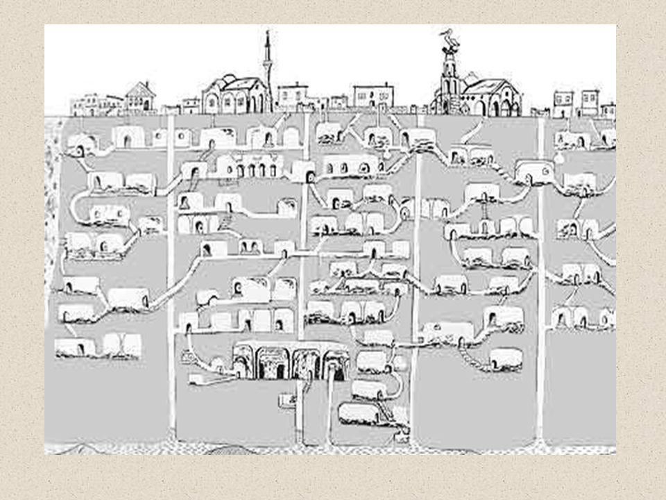 •A várost menedékként használta több ezer személy, akik az alagutakban éltek, hogy védjék magukat a gyakori inváziók ellen, amelyeken átesett Kappadókia a külömböző korokban.
