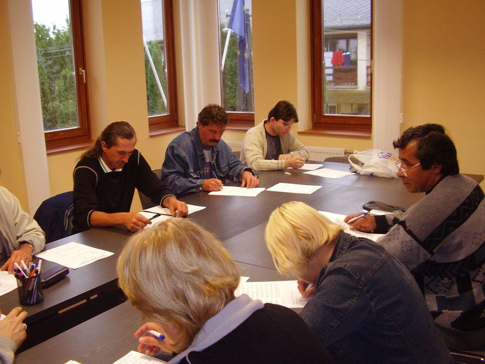 Közhasznú munkavégzés támogatása 2007.– 1.412.585 eFt – 5864 fő ebből: kb.