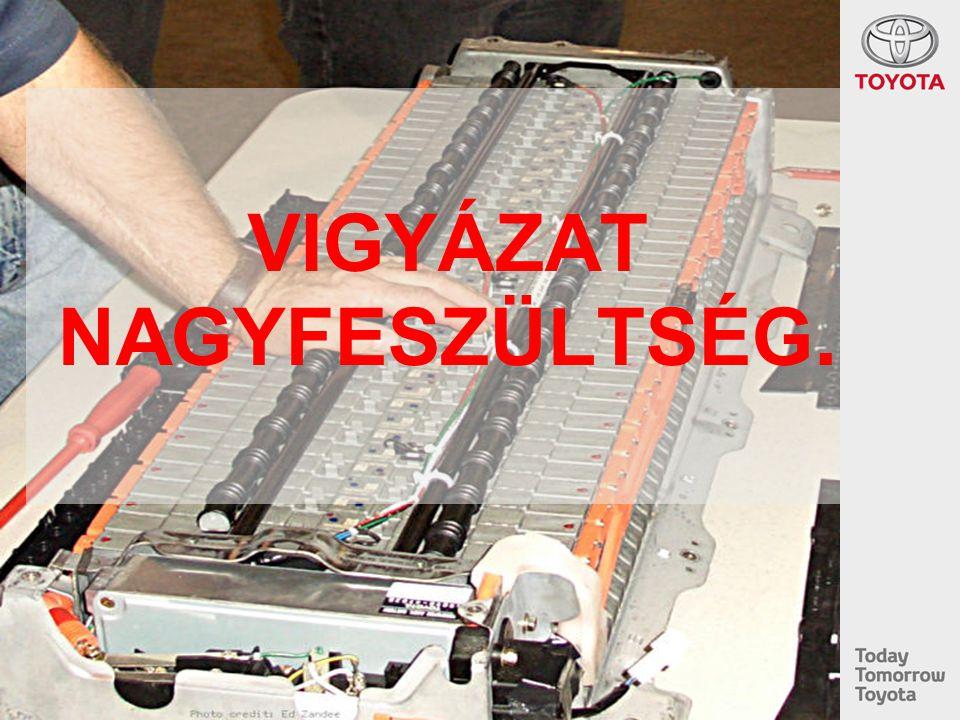 Vészhelyzet esetén HV 12V EG HT IGCT Magasfeszültségű vezetékek védelme –Ne helyezzük az emelő-kapcsokat nagyfeszültségű kábelek, kipufogó, vagy az üzemanyagtartály alá Padlólemez alá erősítve 12 V Elektromos vezeték –Használjuk az első és hátsó támasztási pontokat A jármű stabilizálása Sérültek kiszabadítása