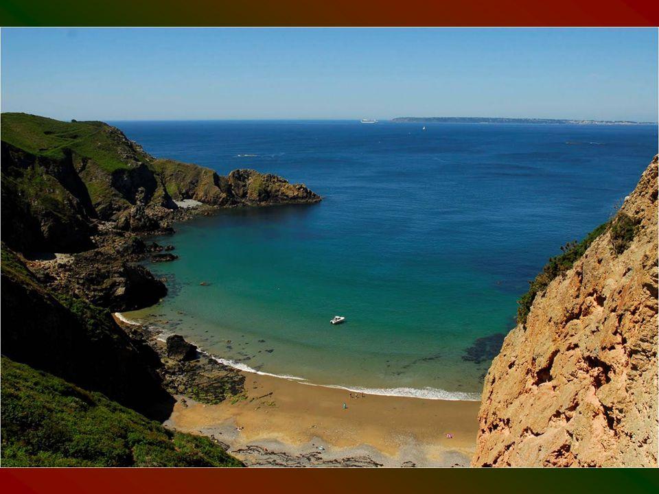 Sark szigete brit szuveranitás alatt levő autonóm terület.