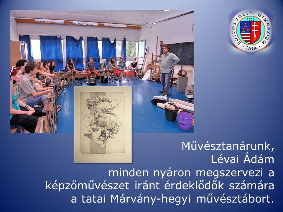 Művésztanárunk, Lévai Ádám minden nyáron megszervezi a képzőművészet iránt érdeklődők számára a tatai Márvány-hegyi művésztábort.
