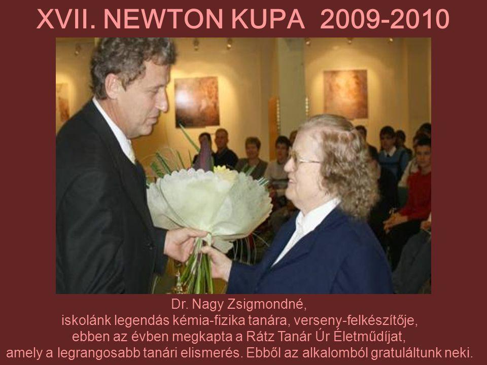 Dr. Nagy Zsigmondné, iskolánk legendás kémia-fizika tanára, verseny-felkészítője, ebben az évben megkapta a Rátz Tanár Úr Életműdíjat, amely a legrang