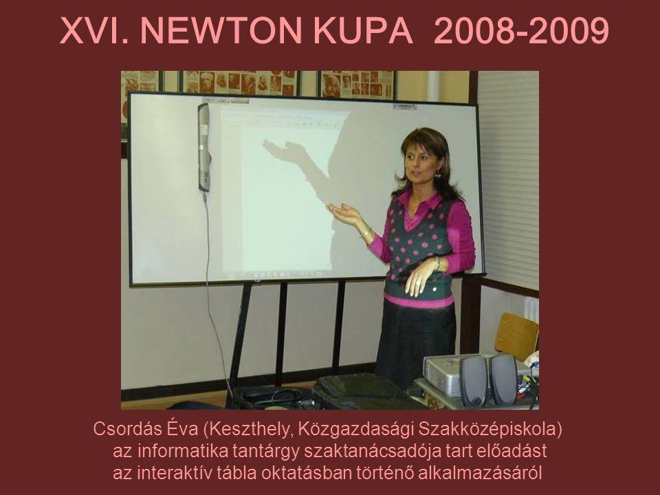Csordás Éva (Keszthely, Közgazdasági Szakközépiskola) az informatika tantárgy szaktanácsadója tart előadást az interaktív tábla oktatásban történő alk