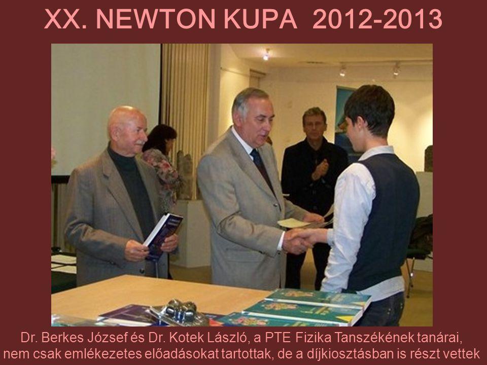 Dr. Berkes József és Dr. Kotek László, a PTE Fizika Tanszékének tanárai, nem csak emlékezetes előadásokat tartottak, de a díjkiosztásban is részt vett
