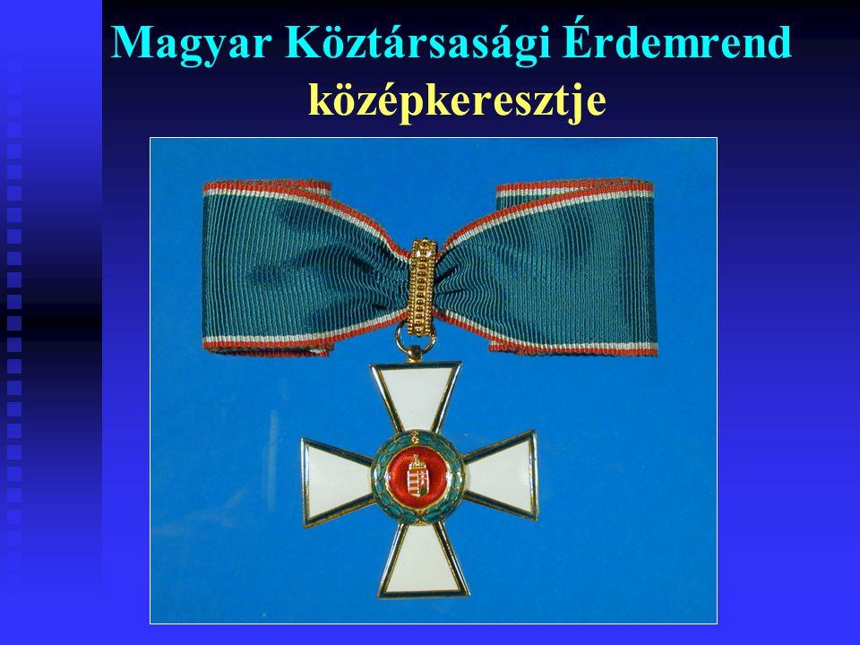 Magyar Köztársasági Érdemrend középkeresztje