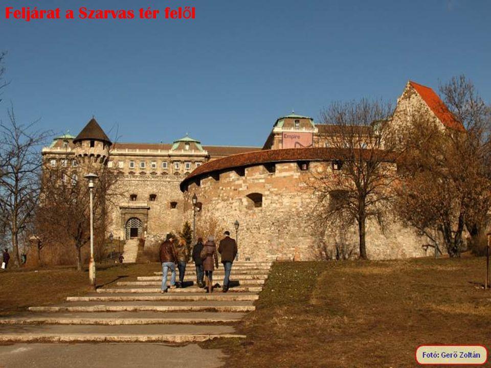 Karmelita udvar, a telken már a XIII. században ferences kolostor állt