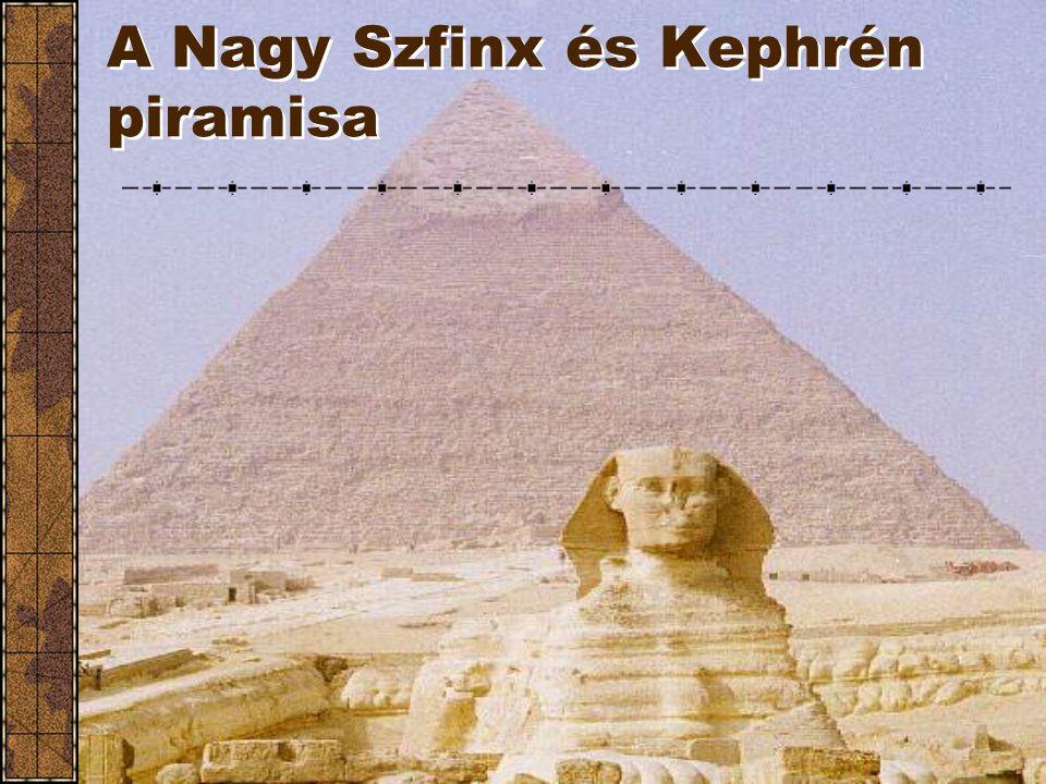 Az egyiptomiak Kushnak nevezték. Kush Egyiptomhoz hasonló hatalom volt, állandó kapcsolatban álltak egymással. Ma már nem hallani Núbiáról illetve Kus