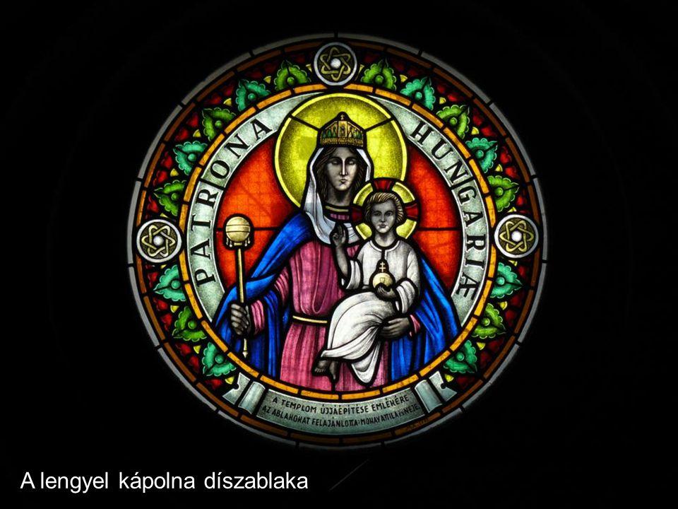 A lengyel kápolna díszablaka