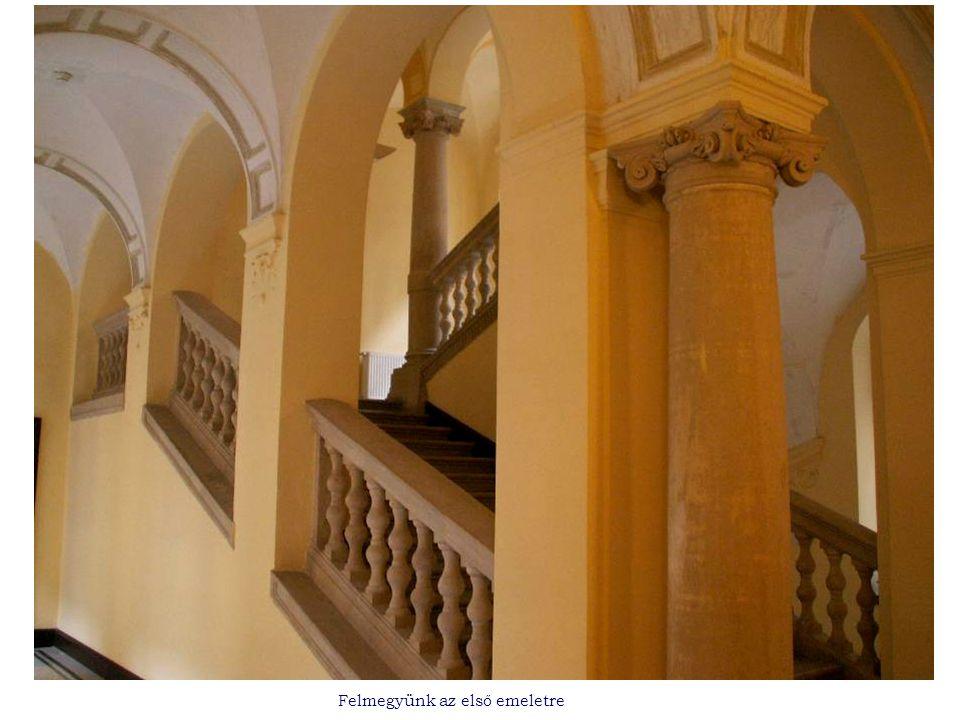 Felmegyünk az első emeletre