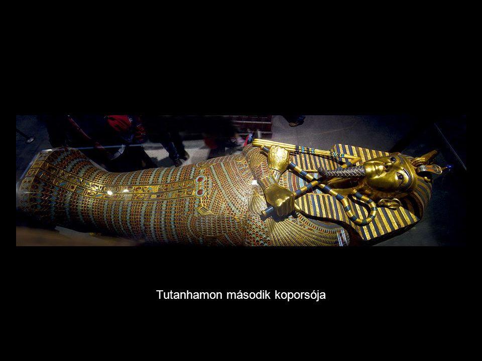Tutanhamon arany temetési maszkja