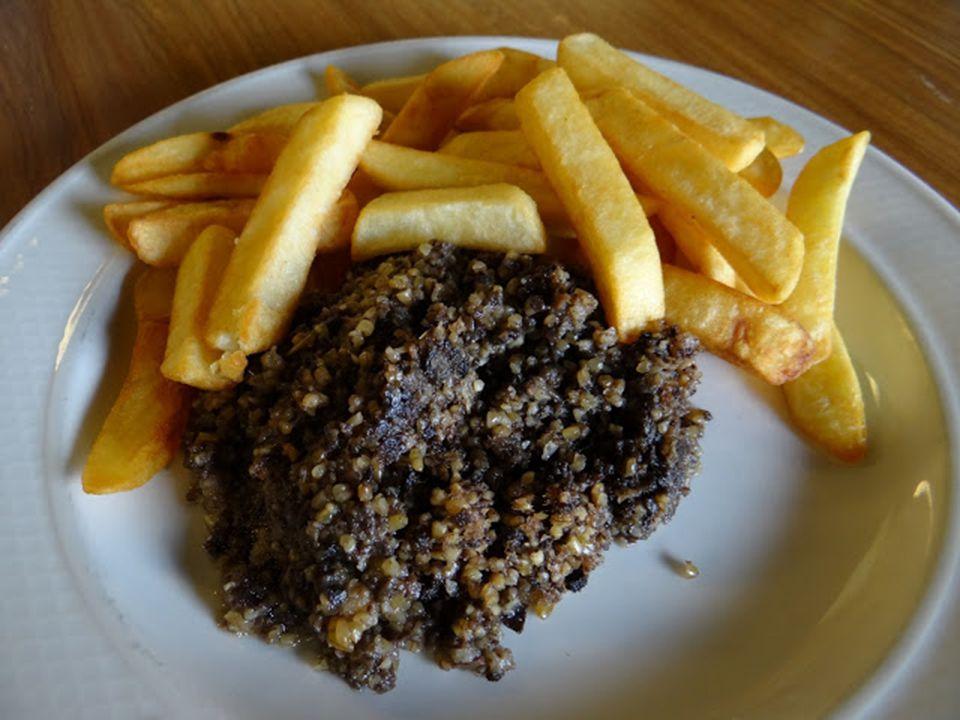 Gasztronómia: A skótok előszeretettel fogyasztanak bárány- és marhahúst, és bizony belsőségeket, no meg tőkehalat. Válassz ízlésed szerint, egy a lény