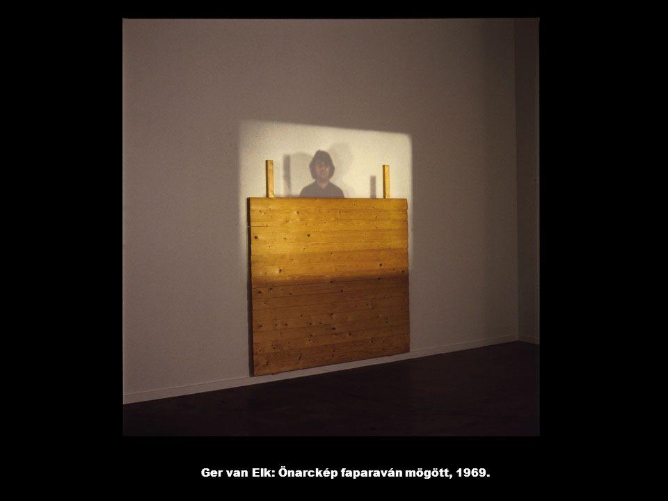 Ger van Elk: Önarckép faparaván mögött, 1969.