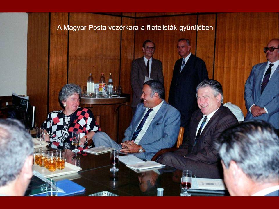 Láng István professzor úr megnyitója (balra dr.Somogyi, Tamás jobbra Surányi László és dr.