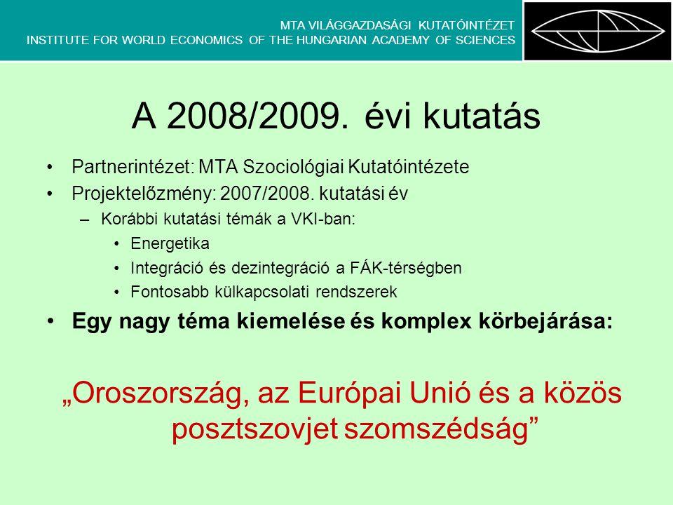 """MTA VILÁGGAZDASÁGI KUTATÓINTÉZET INSTITUTE FOR WORLD ECONOMICS OF THE HUNGARIAN ACADEMY OF SCIENCES Konklúziók Új KKE-tagállamok belépése jelentősen megterhelte a Brüsszel-Moszkva párbeszédet Vélt és valós KKE-hídszerepek megkopóban Régi tagállamok gyakran nagyobb realitásérzékkel rendelkeznek (orosz érzékenységeket jobban érzékelik, követik) Választóvonalak EU-n belül nemcsak földrajziak, újak és régiek közöttiek, értékek és érdekek harca is – erősödőben 2003-tól EU-orosz kapcsolatok korábbi története: hullámzó kapcsolatrendszer, távolodó és együttműködő magatartás váltakozása Várható egy újabb együttműködő szakasz – az """"új megállapodás időszaka."""