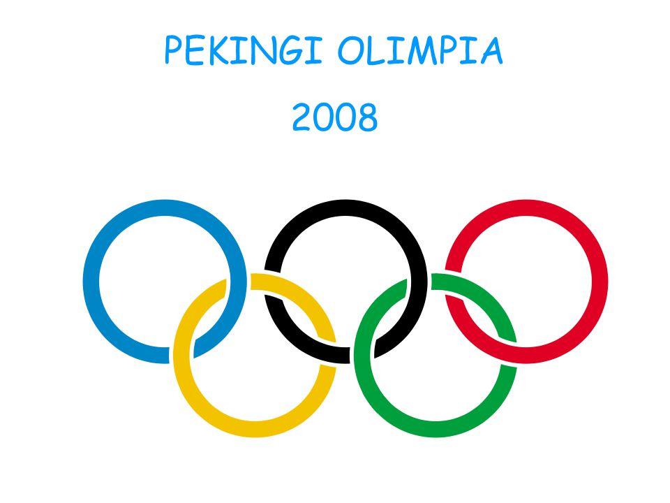 Pekingben egyszerre öt figura is volt, amelyek az olimpiai öt karika színeiben ijesztgették a nézőket.