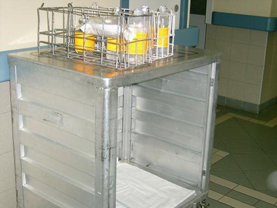 Holisztikus ápoláshoz segítséget jelent A citosztatikus infúziós oldatokat szakképzett személy készíti el az intézeti gyógyszertárban.