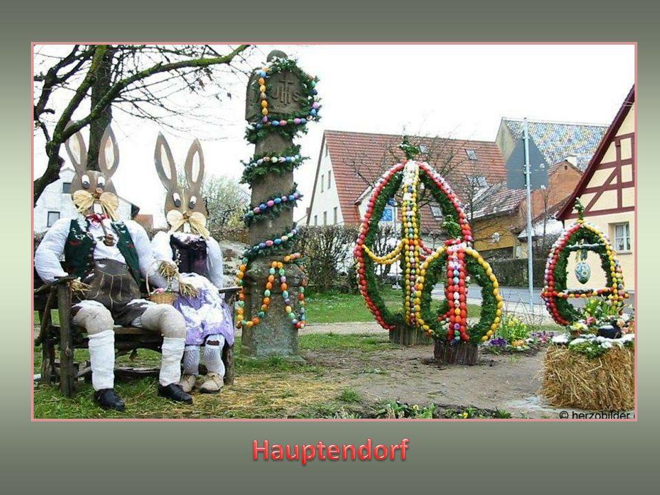. A díszített kutak, 2 hétig maradnak Húsvét után. 2001-ben is a Bieberbach került be a Guinness könyvbe A tojások száma (11108.db) amit dekorációs cé