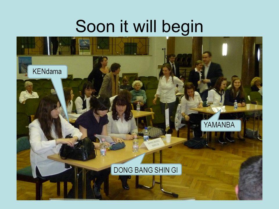 Soon it will begin DONG BANG SHIN GI YAMANBA KENdama