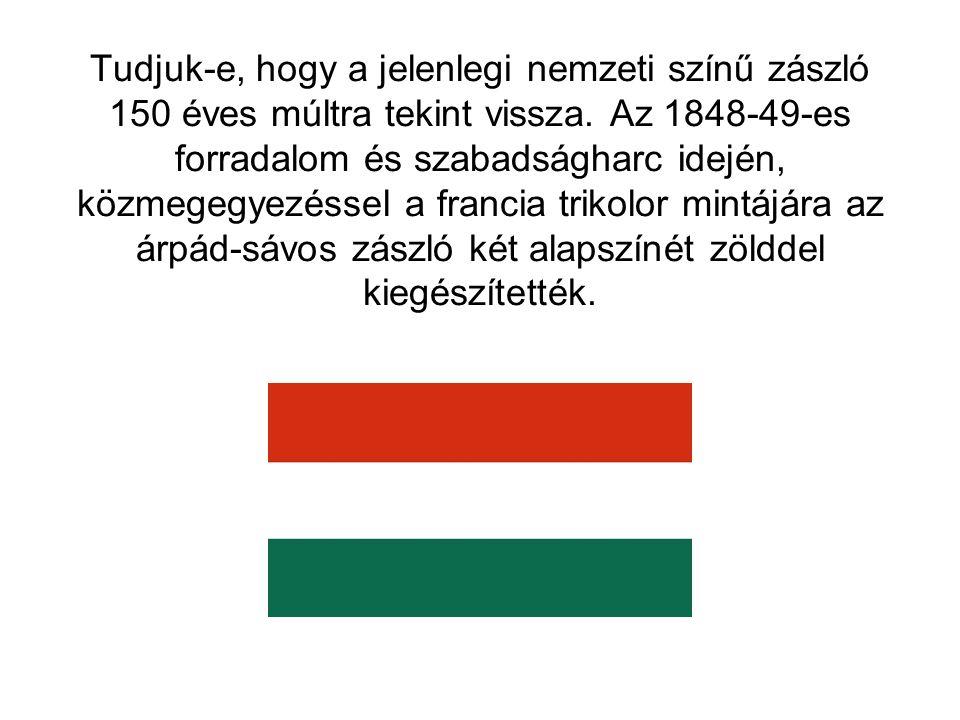 Tudjuk-e, hogy amikor a történelmi zászlókat felvonultatják a parlamentben, mindenki tiszteleg előttük?